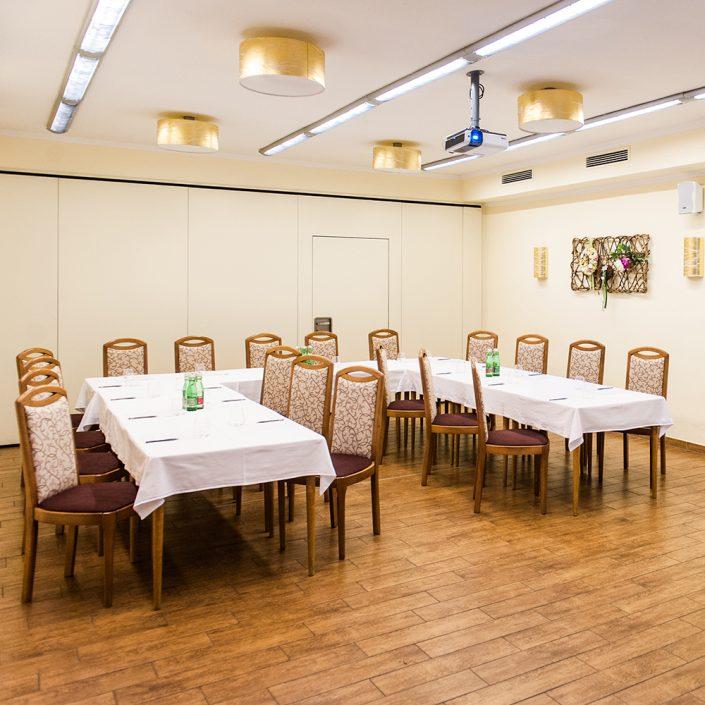 kleiner Seminarraum mit ca. 20 Sitzplätzen